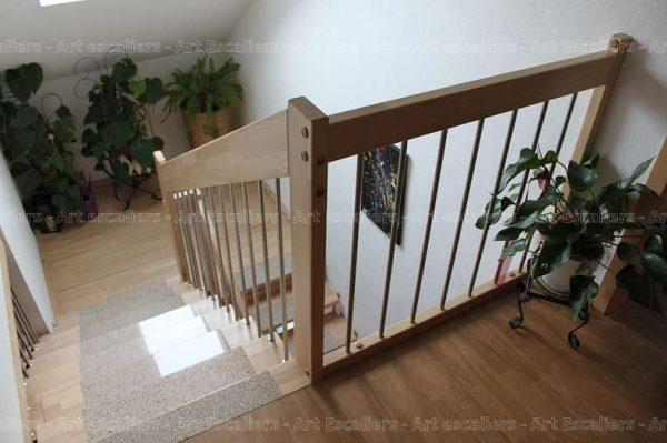 escalier-suspendu-hetre-inox