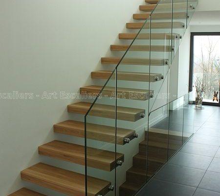 escalier_design-autoporteur_droit_bois-chene_garde-corps-verre_05-artescaliers