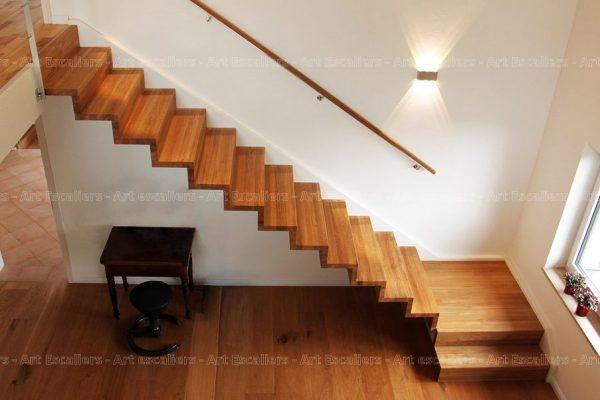 escalier_design-autoporteur_marches-contre-marches_1-quart-tournant_palier_bois-chene_01-artescaliers