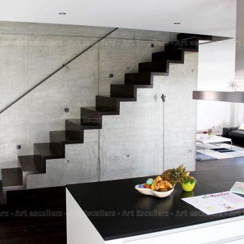 escalier_design-autoporteur_marches-contre-marches_droit_bois-laque_02-artescaliers