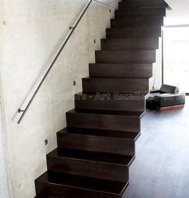 escalier_design-autoporteur_marches-contre-marches_droit_bois-laque_03-artescaliers
