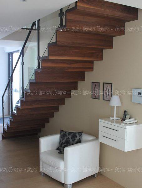 escalier_design-autoporteur_marches-contre-marches_droit_bois-noyer_garde-corps-metal-laque-verre-artescaliers