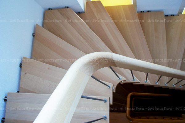 escalier_design-suspendu_1-quart-tournant_bois-hetre_ballustre-inox_03-artescaliers