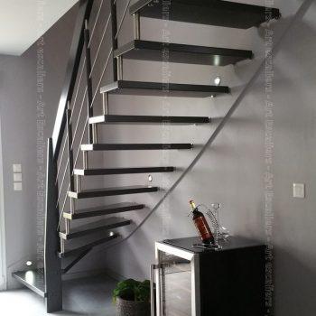 escalier_design-suspendu_1-quart-tournant_limon-mural_bois-laque_lisses-inox_01-artescaliers2