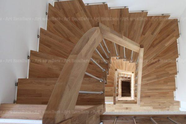 escalier_design-suspendu_2-quarts-tournant_bois-hetre_ballustre-inox_02-artescaliers