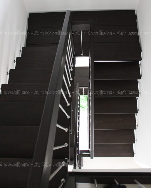escalier suspendu quart tournant top prix escalier flottant escalier suspendu with escalier. Black Bedroom Furniture Sets. Home Design Ideas
