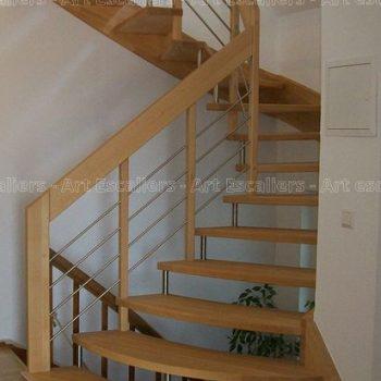 escalier_design-suspendu_2-quarts-tournants_limon-mural_bois-hetre_lisses-inox-artescaliers