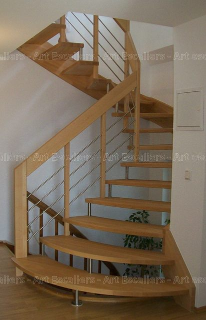 lissa escalier suspendu au design moderne et l ger art escaliers. Black Bedroom Furniture Sets. Home Design Ideas