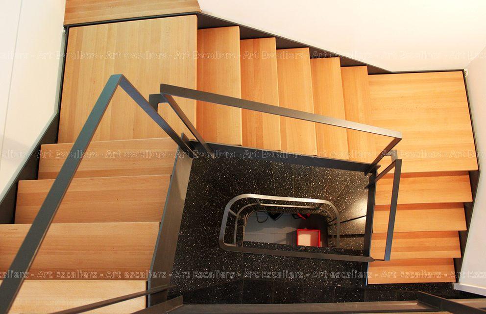 escalier limon metal 2 quarts tournant double palier acier. Black Bedroom Furniture Sets. Home Design Ideas