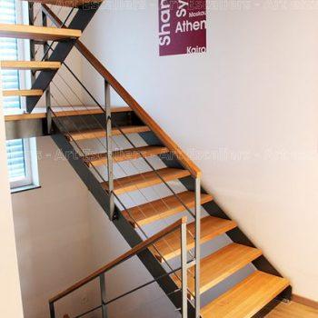 escalier_limon-metal_2-quarts-tournant_palier_acier-laque_marches-bois-hetre_garde-corps-acier-laque_main-courante-bois-artescaliers