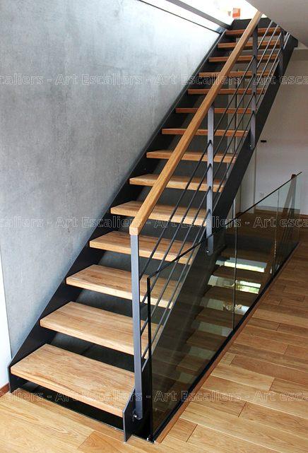 escalier limon metal droit acier laque marches bois chene. Black Bedroom Furniture Sets. Home Design Ideas