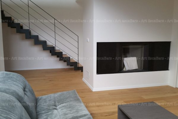 escalier_limon-metal_droit_cremaillere-acier-laque_marches-bois-chene_garde-corps-acier-laque-artescaliers