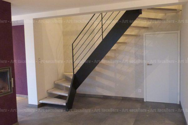 escalier_traditionnel_1-quart-tournat_bois-laque_garde-corps-acier-laque_01-artescaliers