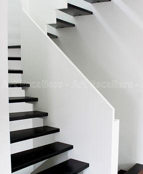 escalier_traditionnel_2-quarts-tournant_bois-laque-artescaliers
