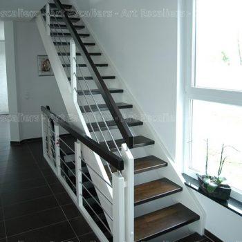 escalier_traditionnel_droit_bois-laque_lisse-inox_01-artescaliers