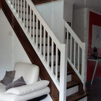 escalier_traditionnel_droit_contre-marche_bois-laque_garde-corps-bois-artescaliers-2