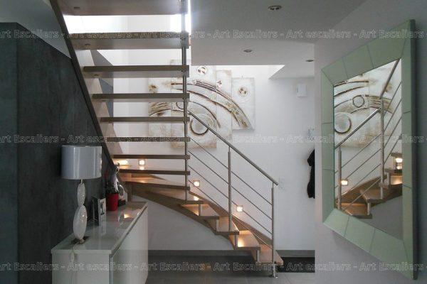 escalier_design-suspendu_1-quart-tournant_limon-mural_bois-hetre_garde-corps-inox-artescaliers