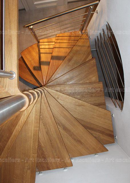 Fut Central Escalier Colimacon Art Escaliers