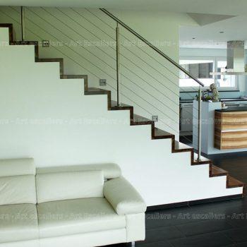 escalier_design_habillage_droit_bois-noyer_contre-marche-artescaliers