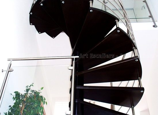 escalier_fut-central_helicoidal_inox_bois-teinte-artescaliers