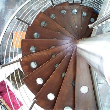 escalier_fut-central_helicoidal_inox_bois-teinte_02-artescaliers