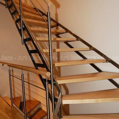 escalier_limon-metal_1-quart-tournant_acier-laque_marches-bois-hetre_garde-corps-inox-artescaliers