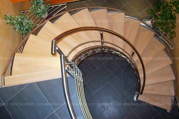 escalier_limon-metal_courbe_inox_marches-bois-hetre_garde-corps-inox_01-artescaliers