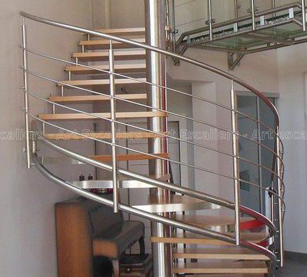 escalier_limon-metal_helicoidale_inox_marches-bois-hetre_garde-corps-inox_01-artescaliers