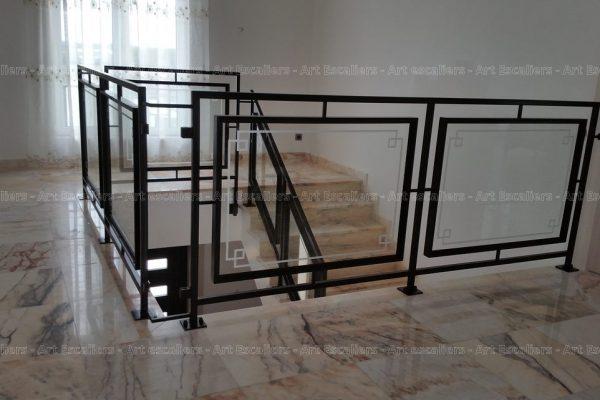garde-corps_design-epure_horizontal_acier-carre-laque_verre-motif-artescaliers