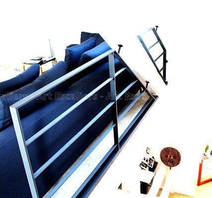 garde-corps_design-epure_horizontal_acier-plat-laque_lisse-plate_fixaton-corniere-artescaliers