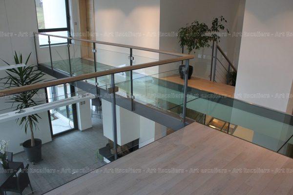 garde-corps_design-epure_horizontal_acier-plat-laque_verre_main-courante-bois-artescaliers
