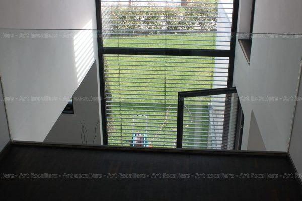 garde-corps_horizontal_tout-verre_bandeau-inox_05-artescaliers
