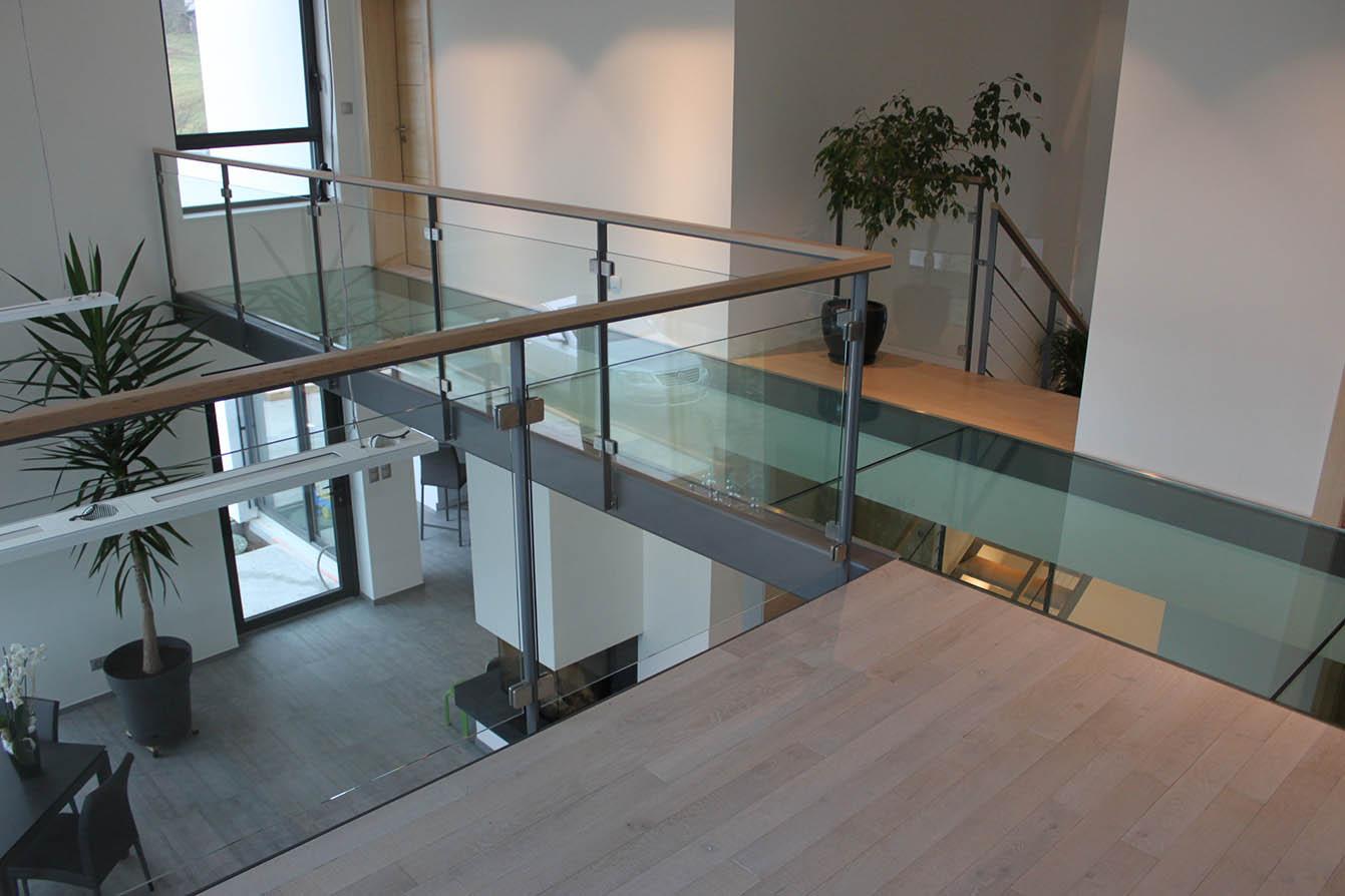 Maison Avec Passerelle Intérieure passerelle, en verre, en bois, en métal - art escaliers