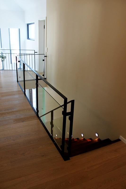 Garde corps horizontal bois m tal inox verre art for Couleur escalier interieur