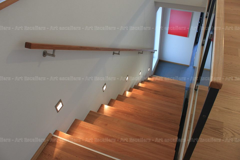 Main courante art escaliers for Escalier bois interieur