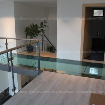 passerelle_structure-acier-laque_plancher-verre_garde-corps-acier-laque_verre_03-artescaliers