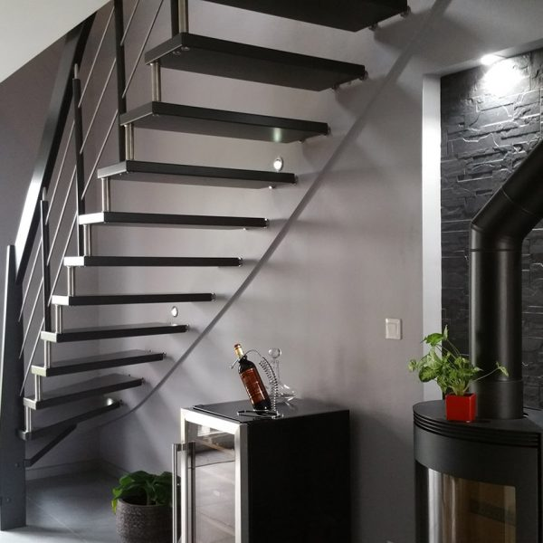 escalier suspendu servigny pose d 39 un escalier design suspendu art escaliers. Black Bedroom Furniture Sets. Home Design Ideas
