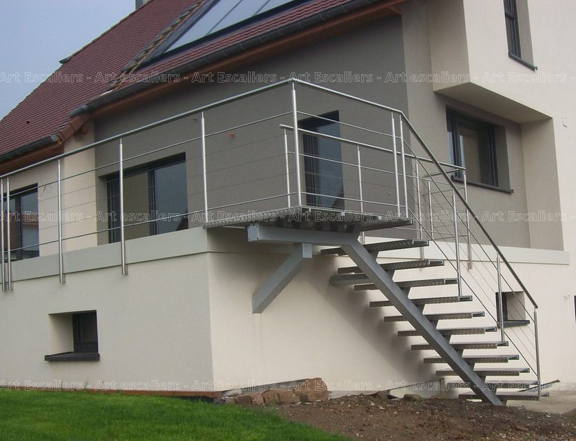 Escalier ext rieur bois m tal inox art escaliers for Escalier droit exterieur