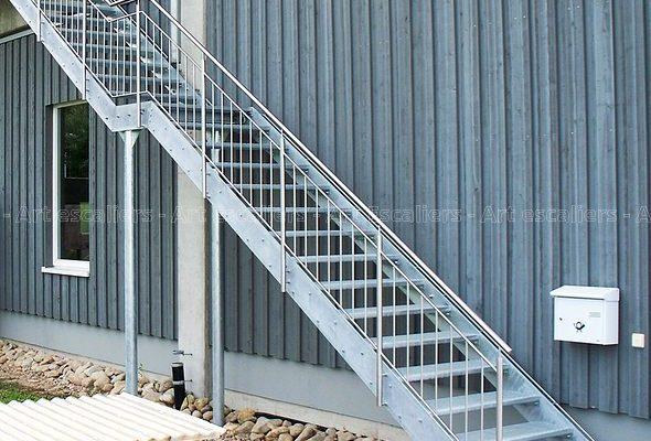 escalier_exterieur_galvanise_droit_garde-corps-inox_05-artescaliers