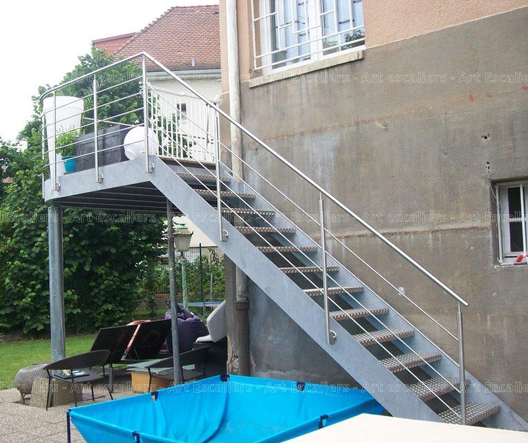 Escalier exterieur galvanise droit garde corps inox 06 for Escalier droit exterieur