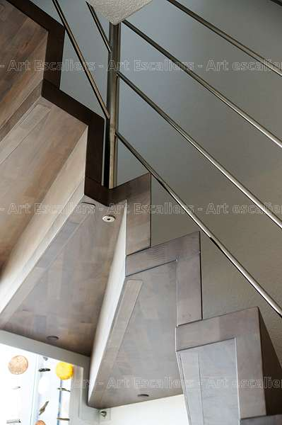 Escalier marche contre marche design art escaliers for Contre marche escalier exterieur