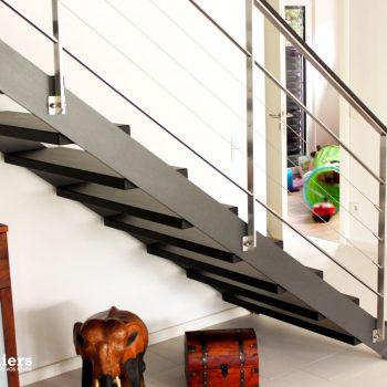 escalier-bois-acieescalier-limon-metal-design-fin