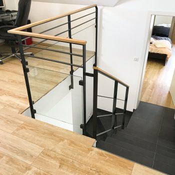 garde-corps-escaliers-moderne-bois-verre