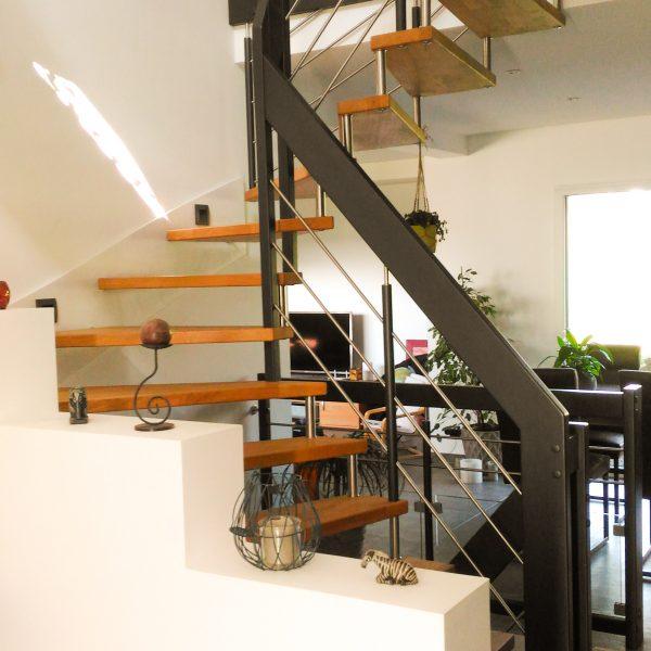 lissa-escalier-suspendu-