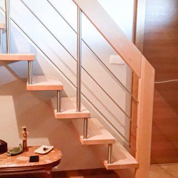 escalier-suspendu-acier-bois-inox-