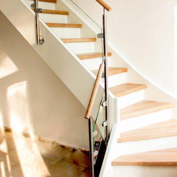escalier-traditionnel-bois-inox-acier
