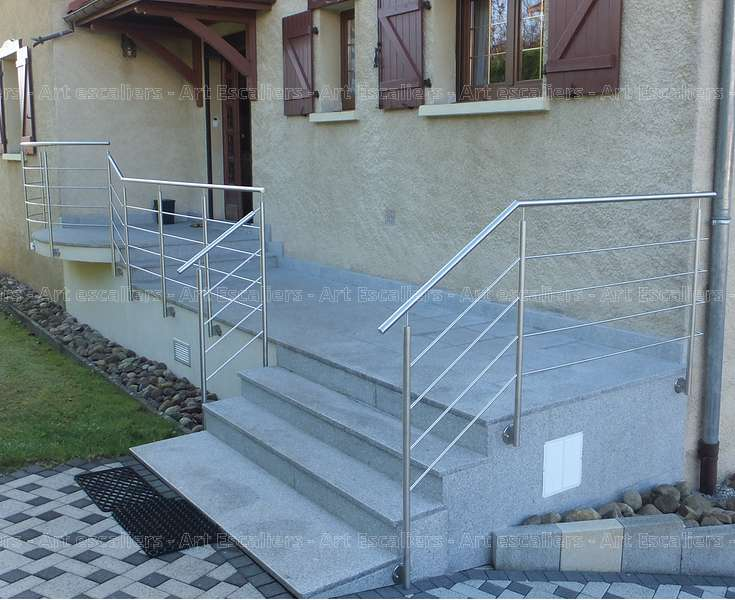Garde corps bois interieur renovation escalier bois for Garde corps exterieur bois