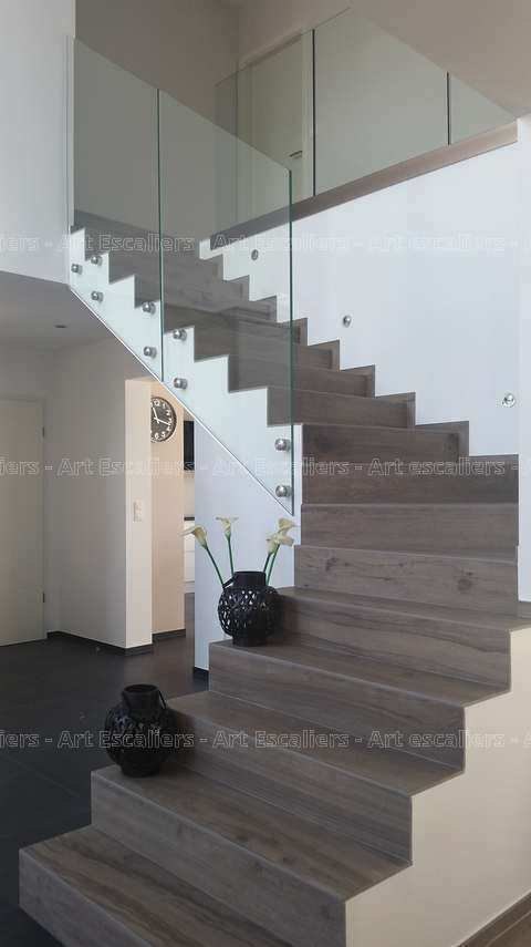 garde corps verre plein escalier beton 02 artescaliers. Black Bedroom Furniture Sets. Home Design Ideas