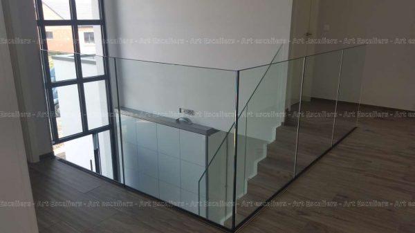 garde-corps-verre-plein_escalier-beton-03-artescaliers_escalier-sol-portes-garde-corps