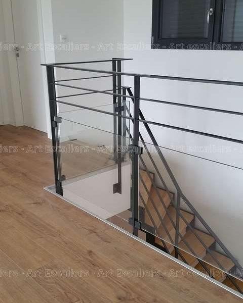 photos-escalier-cremaillere-metal-buhr-tressange-03-artescaliers_escalier-sol-portes-garde-corps